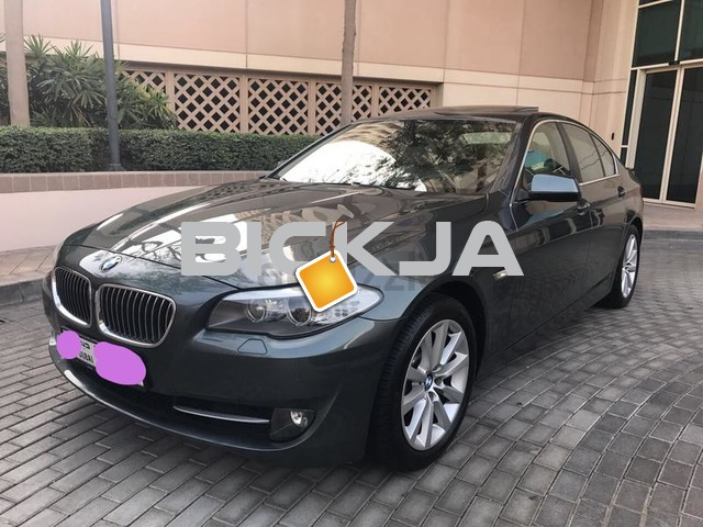 BMW 528 V6 GCC top of the line Full service history under warranty