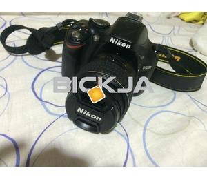 For sale: Nikon 5200 dslr camera