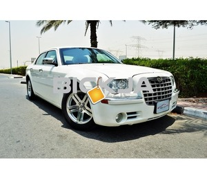 GCC CHRYSLER - 300C - 2006 - CAR IN GOOD CONDITION - NO ACCIDENT - PRICE NEGOTIABLE