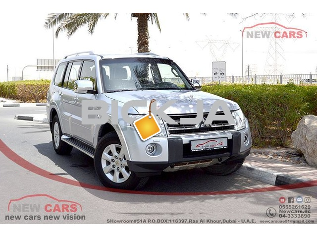GCC MITSUBISHI PAJERO GLS 2012 - ZERO DOWN PAYMENT - 825 AED/MONTHLY - 1 YEAR WARRANTY - 1/2