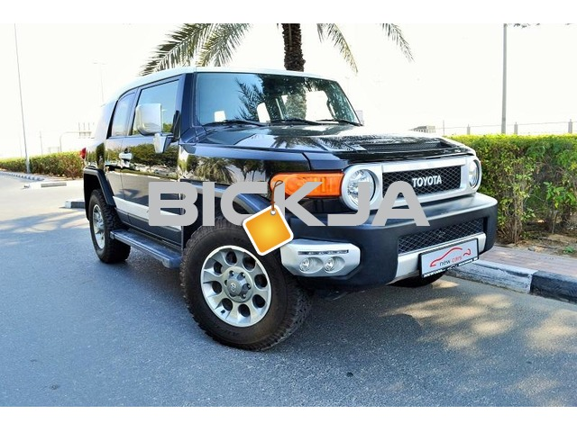 GCC TOYOTA FJ CRUISER 2012 - ZERO DOWN PAYMENT - 1,275 AED/MONTHLY - 1 YEAR WARRANTY - 1/2