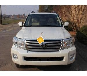 SELLING- TOYOTA LAND CRUISER URGENT