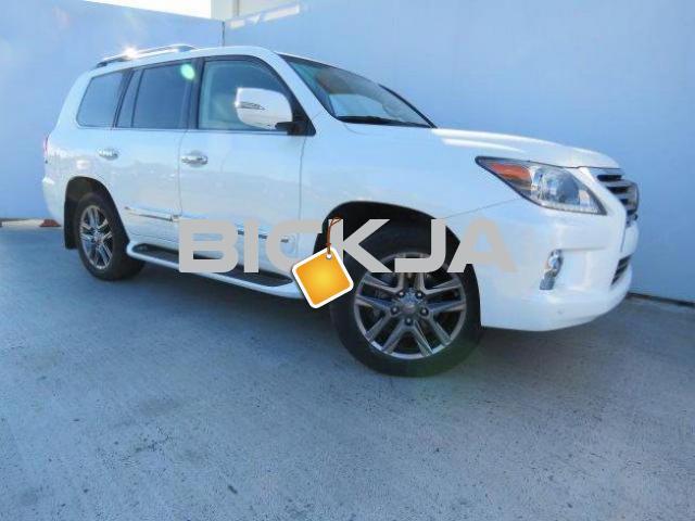 ACCIDENT FREE LEXUS LX 570 CAR - 4/4